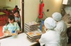 Manipuladoras de alimentos chilotas esperan acuerdo con Gobierno