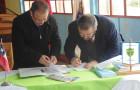 Liceo Insular de Achao firma convenio con centro de investigación para la Acuicultura