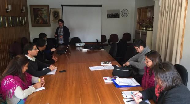 Analizan observaciones del proyecto de reposición de la escuela de Nercón