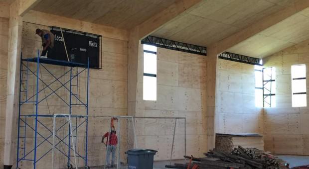 Corporación Municipal ejecuta mejoras en establecimientos educacionales de Castro