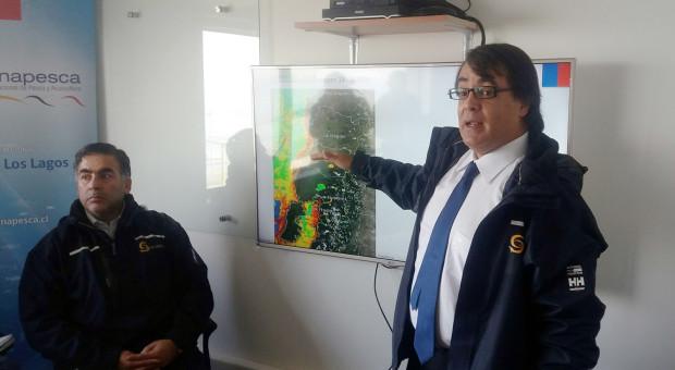 Autoridades explican fenómeno de la Marea Roja que afecta a la zona