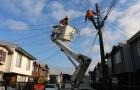Cambian luminarias en Barrio Mirador de la capital provincial