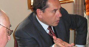 Castro: ex alcalde Águila responde a querella interpuesta en su contra.