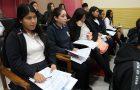 Estudiantes se capacitan para participar en censo.