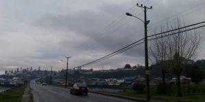 Chiloé: empresa eléctrica llama a no utilizar tendido eléctrico para propaganda electoral.