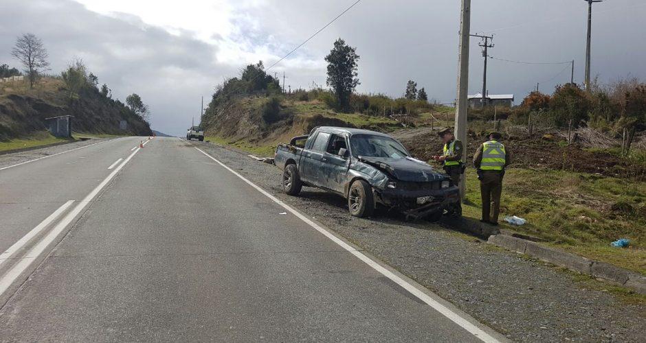 Quellón: con riesgo vital se mantiene mujer que sufriera accidente carretero.