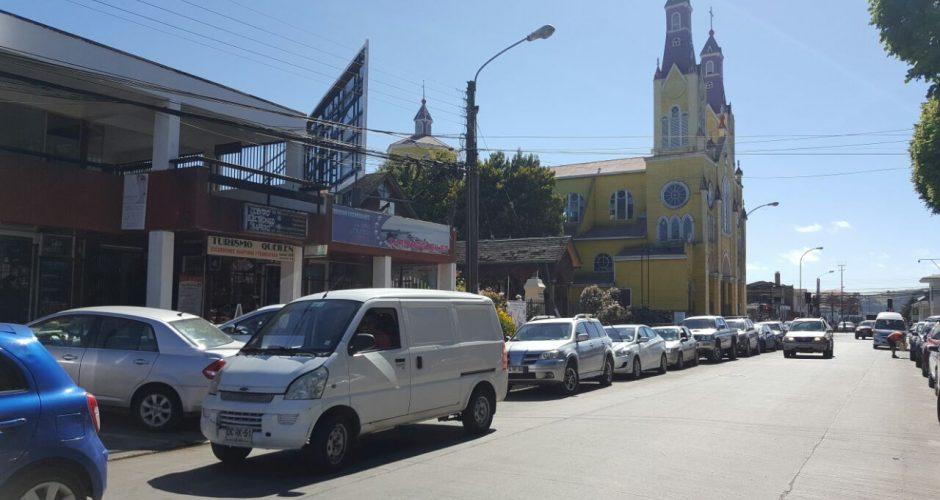 Castro: se decreta prohibición para estacionar vehículos en calle céntrica.