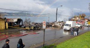 Castro: continúan labores para esclarecer la causa y establecer identidad de fallecidos en voraz incendio .